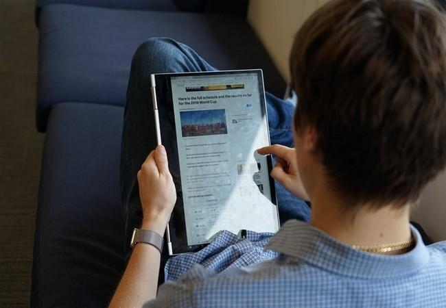 Đánh giá nhanh laptop Lenovo Yoga Book 730 ảnh 6