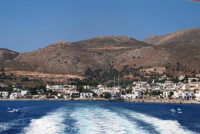 Hòn đảo đầu tiên ở Địa Trung Hải chỉ sử dụng điện sức gió và điện mặt trời ảnh 1