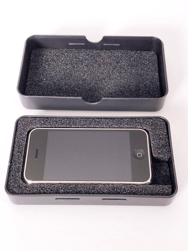 Một mẫu iPhone cực hiếm từ 2006 đang được rao bán trên eBay, và đã vượt qua mức giá 13.000 USD ảnh 3