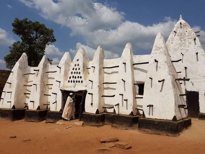 Nhà thờ Hồi giáo Larabanga (Ảnh: visitghana.com)