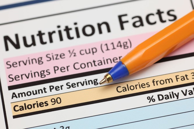Chú ý tới thành phần dinh dưỡng của thực phẩm trước khi lựa chọn (Ảnh: Internet)
