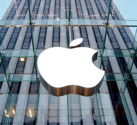 Đồng Rúp rớt giá khiến Nga trở thành nước bán iPhone rẻ nhất thế giới ảnh 2