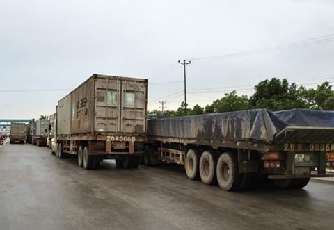 Bộ trưởng Thăng: 'Không để xảy ra tình trạng bảo kê xe quá tải'