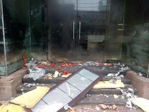Cảnh hoang tàn của tòa nhà trị giá 55 triệu USD Thuận Kiều Plaza ảnh 9