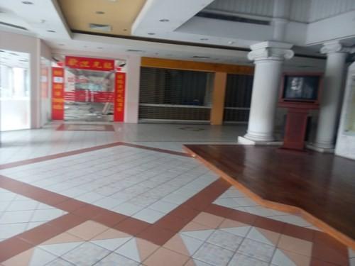 Cảnh hoang tàn của tòa nhà trị giá 55 triệu USD Thuận Kiều Plaza ảnh 7