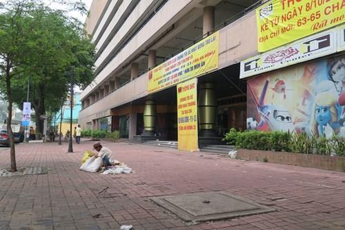 Cảnh hoang tàn của tòa nhà trị giá 55 triệu USD Thuận Kiều Plaza ảnh 2