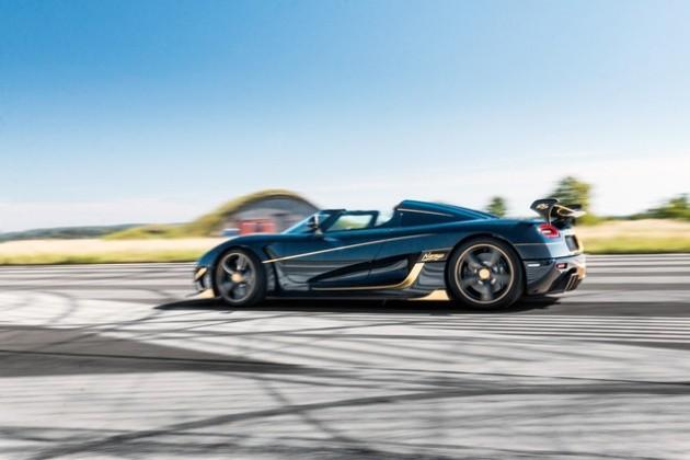 Các chi tiết từ bên trong ra ngoài của siêu xe Koenigsegg Agera RS đều được làm từ vật liêu carbon cứng cáp.
