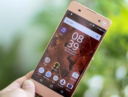 4 smartphone giảm giá mạnh nhất tháng 8 ảnh 2