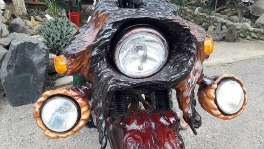 Độc - Lạ: Mô tô bằng gỗ độc nhất vô nhị ở Lâm Đồng ảnh 6