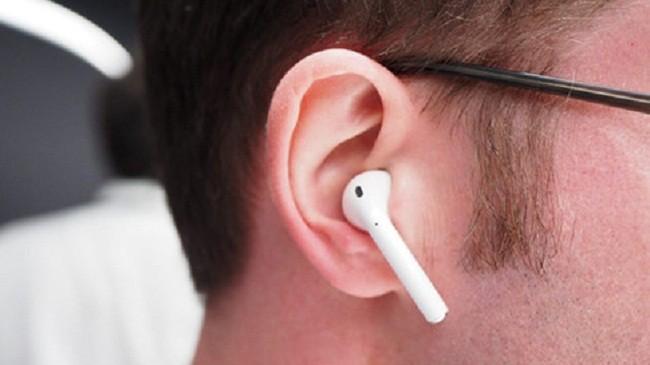 AirPods không chỉ làm việc với thiết bị Apple mà còn làm việc với các thiết bị nền tảng khác.