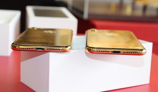 Để sở hữu chiếc iPhone mạ vàng như thế này, ngoài số tiền phải bỏ ra để mua sản phẩm khách hàng phải mất thêm khoảng 10 triệu đồng.