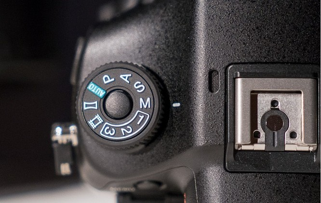 Cận cảnh Sony A99 II chụp hình 42,4MP, chống rung 5 trục ảnh 13