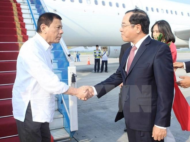 Tổng thống Philippines Duterte đã đến Nội Bài, bắt đầu thăm Việt Nam ảnh 1