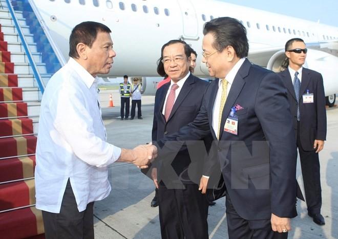 Tổng thống Philippines Duterte đã đến Nội Bài, bắt đầu thăm Việt Nam ảnh 2