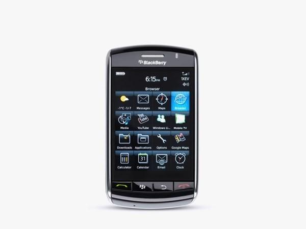 Sau nhiều thành công thì đây là một trong những thất bại của hãng. Chiếc Storm là mẫu điện thoại cảm ứng đầu tiên của BlackBerry. Không có Wi-Fi vào cuối năm 2008 trở thành vấn đề lớn của người dùng.