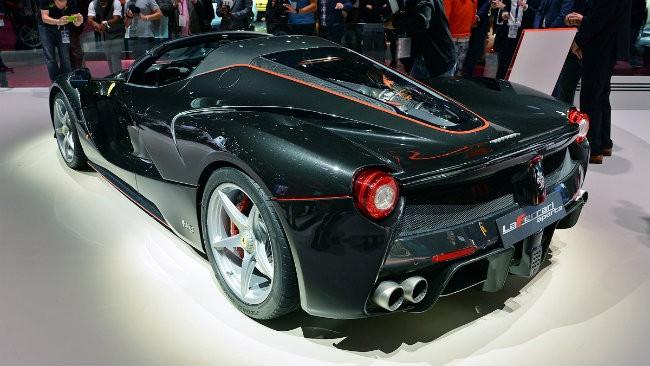 Ngắm siêu xe Ferrari LaFerrari Aperta giá 58,4 tỷ đồng cháy hàng ảnh 1