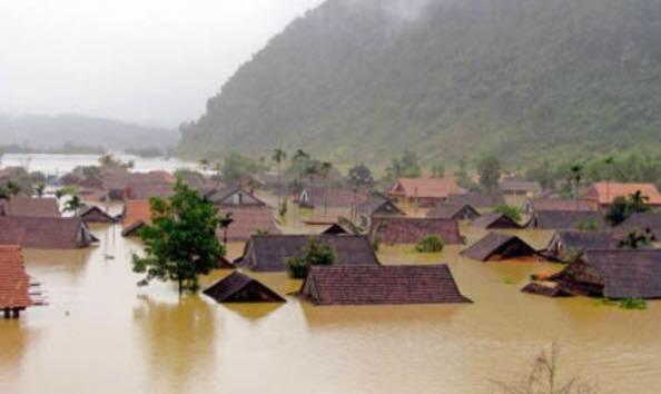 Miền Trung oằn mình trong trận mưa lũ lịch sử ảnh 4