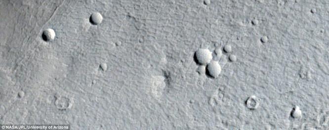 Bộ ảnh sao Hỏa quý giá gửi về từ tàu Mars Reconnaissance Orbiter ảnh 1
