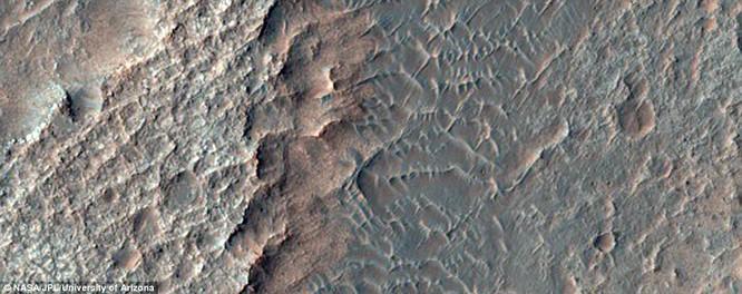 Bộ ảnh sao Hỏa quý giá gửi về từ tàu Mars Reconnaissance Orbiter ảnh 3