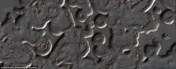Bộ ảnh sao Hỏa quý giá gửi về từ tàu Mars Reconnaissance Orbiter ảnh 4