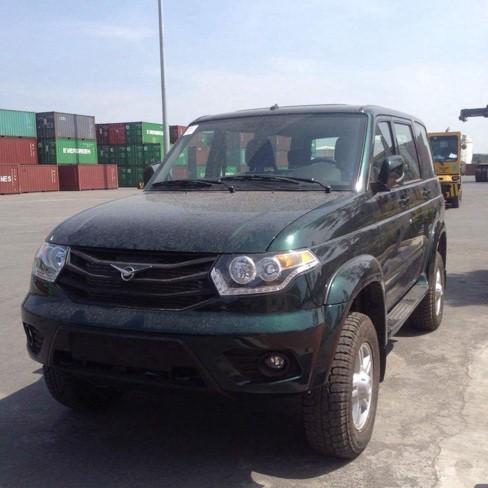 Chiêm ngưỡng 3 chiếc ô tô Nga đời mới đầu tiên về Việt Nam ảnh 4