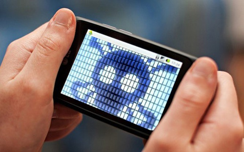Tin tặc hiện nay vẫn đang ưa thích tấn công vào thiết bị di động của người dùng- (Ảnh: AFP).