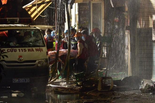 Trong 13 nạn nhân vụ cháy quán karaoke có một cán bộ của Hà Nội ảnh 4