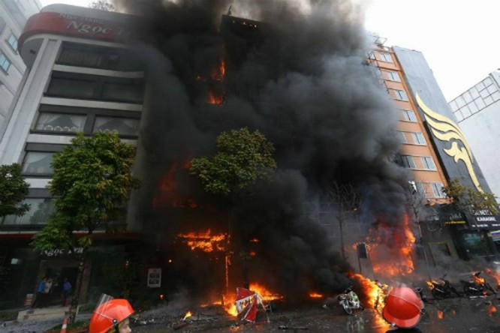 Trong 13 nạn nhân vụ cháy quán karaoke có một cán bộ của Hà Nội ảnh 2
