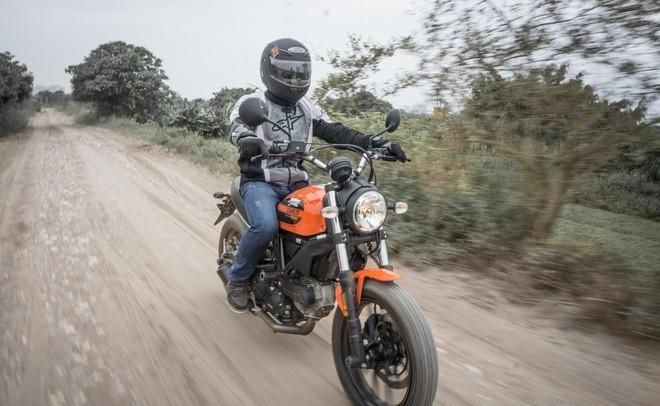 Ducati Scrambler Sixty2: Công tử đô thành ảnh 4