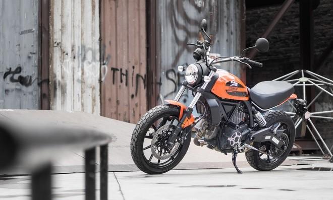 Ducati Scrambler Sixty2: Công tử đô thành ảnh 2
