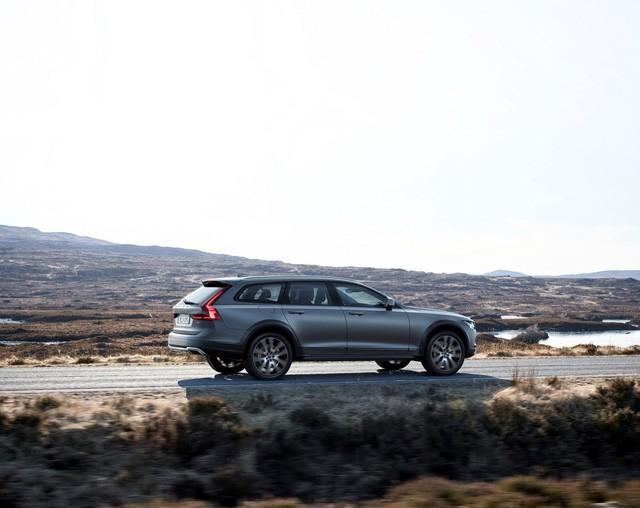 Volvo V90 Cross Country - Xe cao cấp thách thức mọi địa hình ảnh 5