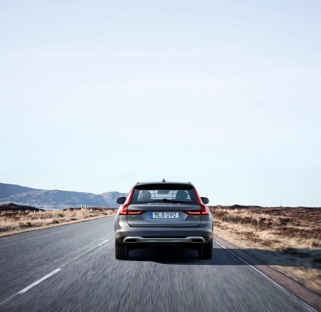 Volvo V90 Cross Country - Xe cao cấp thách thức mọi địa hình ảnh 9