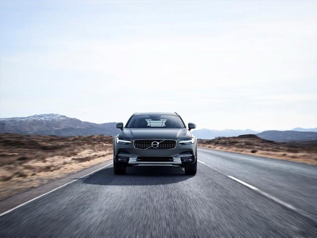 Volvo V90 Cross Country - Xe cao cấp thách thức mọi địa hình ảnh 2