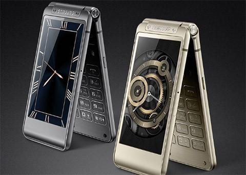 Samsung ra mắt smartphone nắp gập với giá 3.000 USD ảnh 1