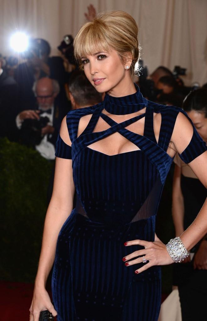 Gu thời trang gợi cảm của vợ và con gái Donald Trump ảnh 14