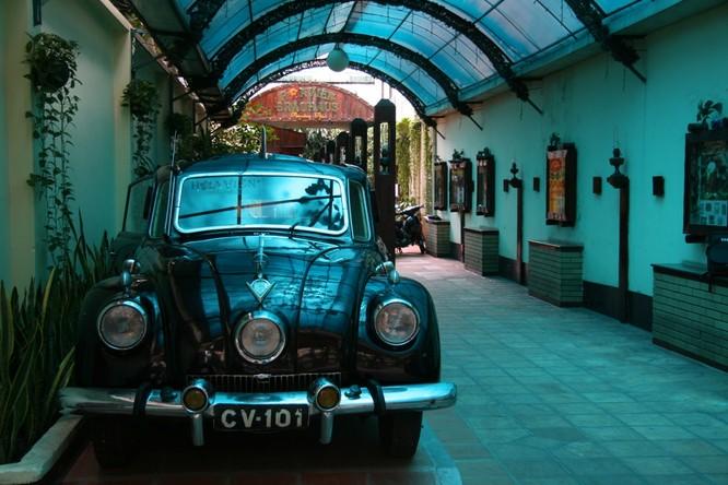 Ngắm Ôtô cổ Tatra ba đèn pha hàng độc tại TPHCM ảnh 9