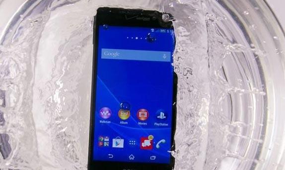 Vì sao hầu hết smartphone Nhật đều có thể chống nước? ảnh 2