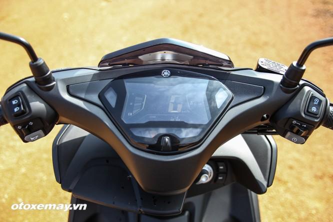 """Chi tiết """"Siêu xe tay ga thể thao"""" Yamaha NVX ảnh 1"""