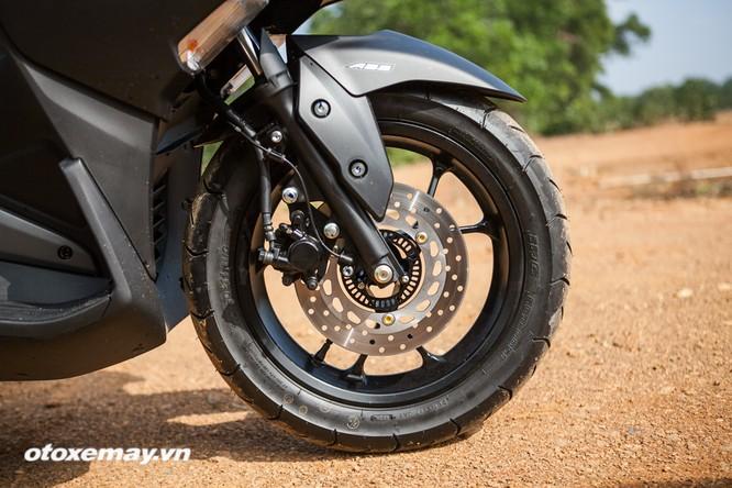 """Chi tiết """"Siêu xe tay ga thể thao"""" Yamaha NVX ảnh 2"""