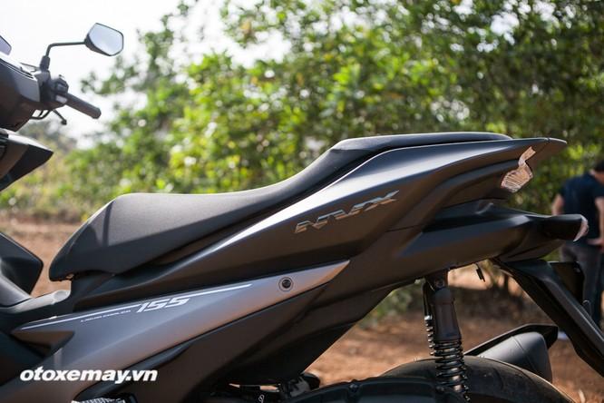 """Chi tiết """"Siêu xe tay ga thể thao"""" Yamaha NVX ảnh 17"""
