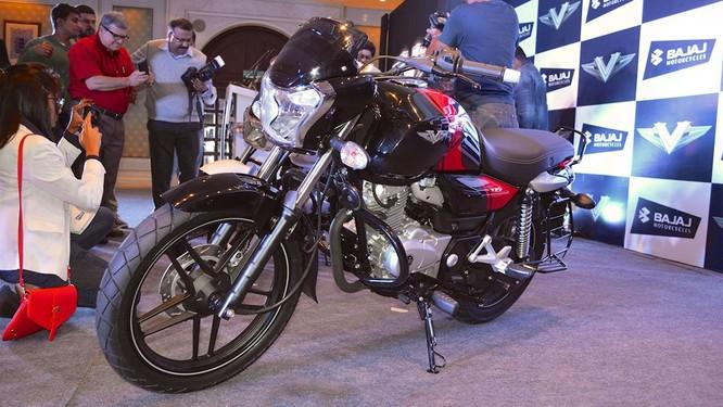 Xe côn tay Bajaj V12 giá rẻ hơn Honda Wave tại Việt Nam ảnh 1