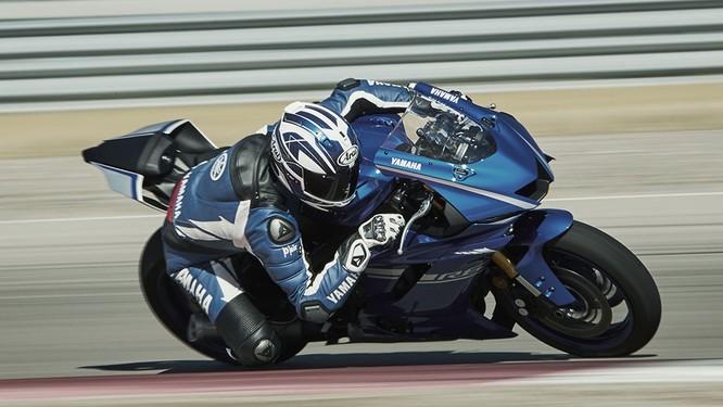 Chi tiết mô tô Yamaha YZF-R6 thế hệ 2017 với thiết kế lột xác ảnh 2