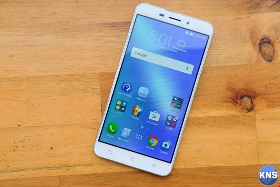 Trên tay chiếc smartphone lấy nét siêu nhanh ảnh 8