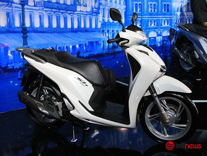 Các mẫu xe máy vừa có mặt tại thị trường Việt Nam ảnh 1