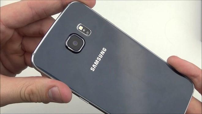 5 smartphone màu đen bóng thay thế iPhone 7 ảnh 2