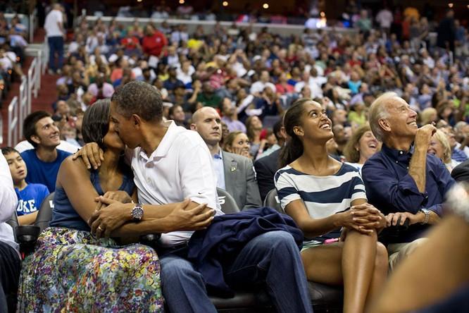 Những điều ít biết về chuyện tình của vợ chồng Tổng thống Obama ảnh 7