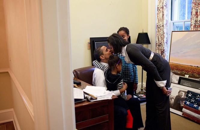 Những điều ít biết về chuyện tình của vợ chồng Tổng thống Obama ảnh 11