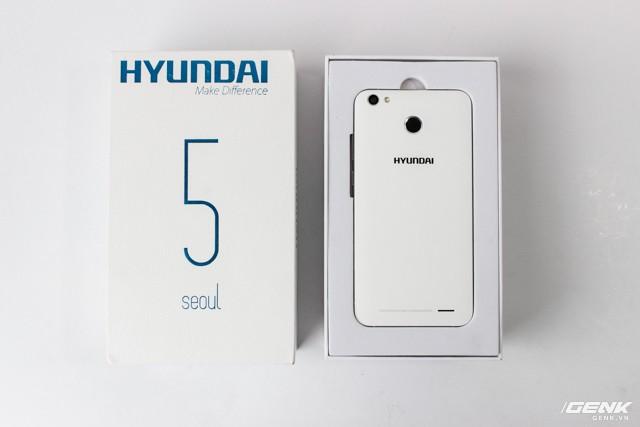 Cận cảnh smartphone đầu tiên của Huyndai tại Việt Nam ảnh 1