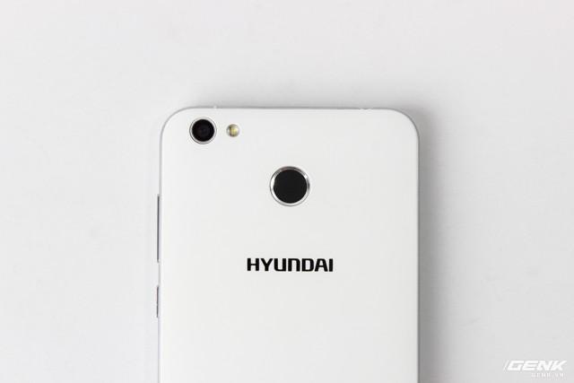 Cận cảnh smartphone đầu tiên của Huyndai tại Việt Nam ảnh 7
