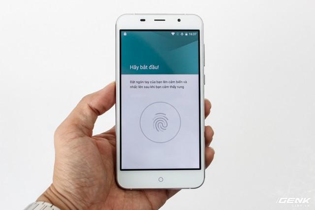 Cận cảnh smartphone đầu tiên của Huyndai tại Việt Nam ảnh 9
